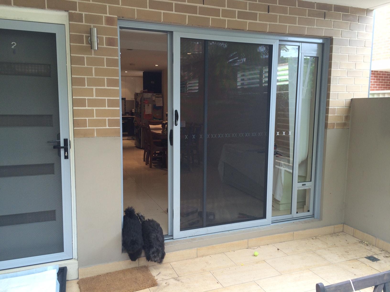 corner installation Pet door insert for sliding door